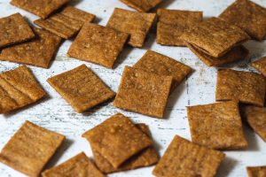 walnut and honey savoury crackers