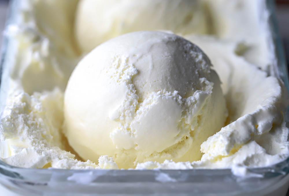 cover photo for Vanilla Ice Cream | with cornstarch (eggless)