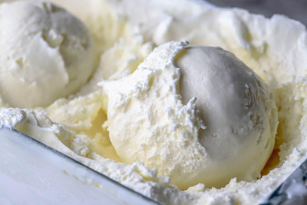 cover photo for vanilla ice cream with xanthan gum